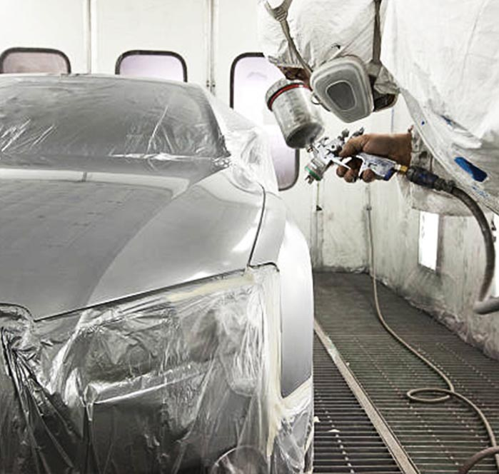 coating spray nozzle on spray painting gun coating car in spray paint booth